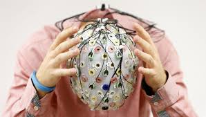 brain holding
